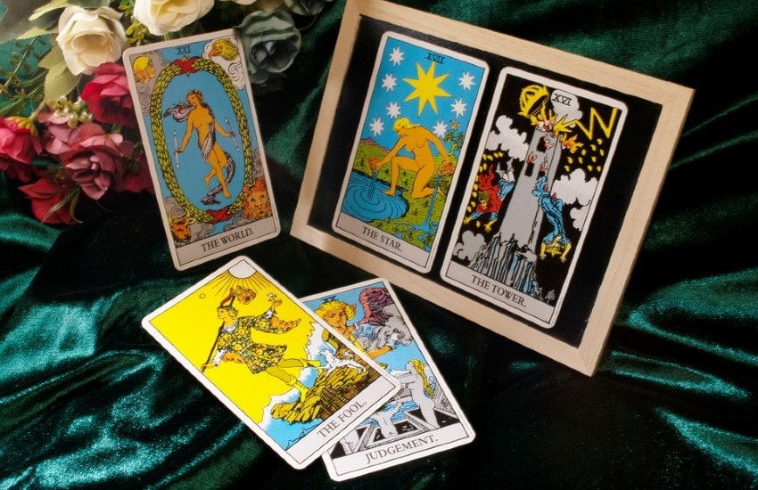 Símbolos en el tarot: 10 imágenes universales
