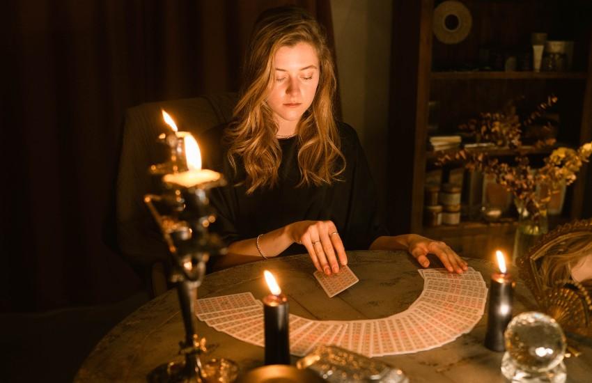 Meditar con las cartas del tarot: ¿Por qué hacerlo?